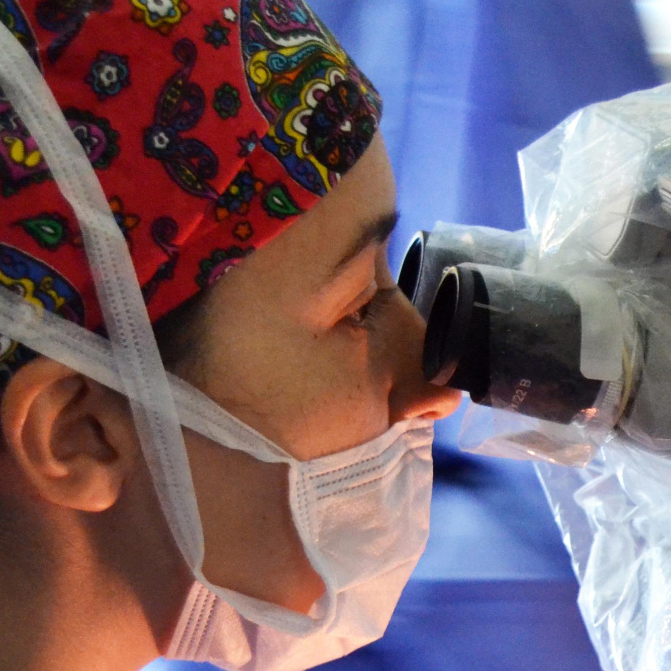 Cirugía ocular de alta complejidad
