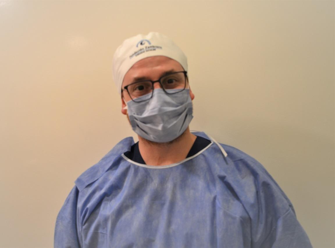 Dr. Riera, nuevo fellow quirúrgico de retina